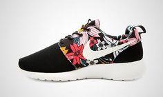 buy popular 6c8da 2deed Nike Roshe Run One Print Women Black White Men Running Shoes 599432 090 US  6-9