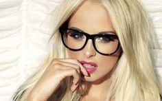 Hangi yüz tipine hangi gözlük?   Egzotik Kadın