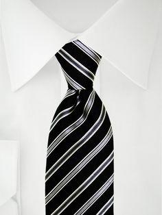 Cravate noire avec doubles rayures gris foncé, gris clair et blanches