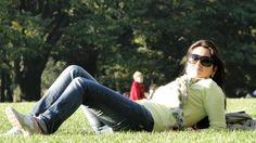 Vou ali tirar uma sonequinha no Central Park, pensar em coisas boas, pesquisar tendencinhas pra vocês, achar produtinhos novos, dar uma espiadinha de leve na lojas (cof cof cof), curtir uma farmacinha recheada… Mas prometo não demorar. Fiquem de olho no Twitter (@futilish), no Flickr (aqui) que tentarei postar tudo de mais legal que eu …