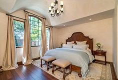 Find here best bedroom decorating ideas and designs by Sullivan Design Studio, Who is one of the bes Hacienda Style Homes, Spanish Style Homes, Spanish House, Mediterranean Bedroom, Multipurpose Room, Ranch Style, Cottage Style, Home Remodeling, Bedroom Decor