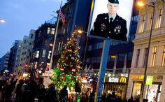 US Ambassador to Germany Phillip Murphy lit a tree at Checkpoint Charlie on December 6.