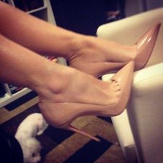 So Kate christian louboutin nude Want this so bad!
