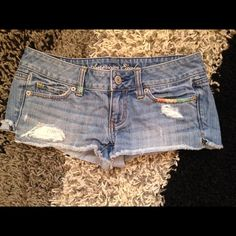"American Eagle shorts American eagle shorts with cute ""rip"" and ""sewn"" pattern! American Eagle Outfitters Shorts Jean Shorts"