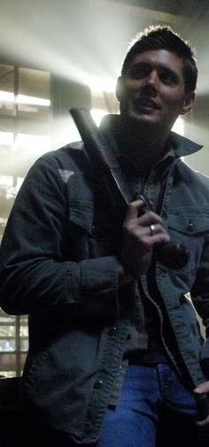 anyone else wielding that ax would be scary and here I am thinking this man looks so natural and sexy, what's with that ??!!!  #DeanWinchester #Supernatural