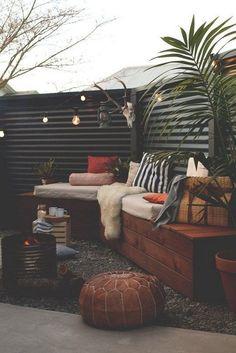 Outdoor patio diy budget backyard privacy screens New Ideas House Design, House Styles, Outdoor Rooms, Outdoor Decor, Decor, Diy Backyard, Outdoor Spaces, Home And Garden, Home Decor