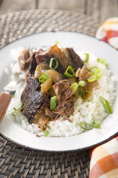 Paula Deen Coffee Braised Short RibsIngredients Add to grocery list 3 pounds short ribs Salt and freshly ground black pepper 2 tablespoons olive oil 1 cup dry white wine 1 cup strong brewed coffee 1 large yellow onion, chopped 3 cloves garlic, chopped 2 teaspoons hot or mild chili powder 1 teaspoon dried oregano