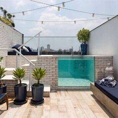 What about a small pool on the rooftop terrace? What about a small pool on the rooftop terrace? Small Backyard Pools, Backyard Pool Designs, Home Interior Design, Exterior Design, Kleiner Pool Design, Rooftop Terrace Design, Small Terrace, Rooftop Deck, Small Pool Design