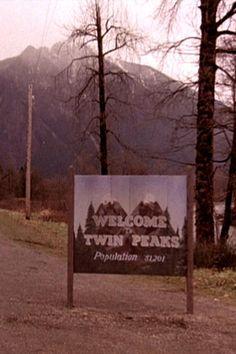 Welcome to Twin Peaks David Lynch Twin Peaks, Twin Peaks 1990, Twin Peaks Tv Show, Twin Peaks Poster, Concertos, Best Tv Shows, Favorite Tv Shows, Twin Peeks, Laura Palmer