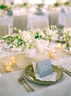 Place setting. #Celebstylewed #Decor #Napa #Charger #Plates #Centerpiece #Table. @Celebrity Style Weddings