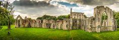 Netley Abbey  by Tavo