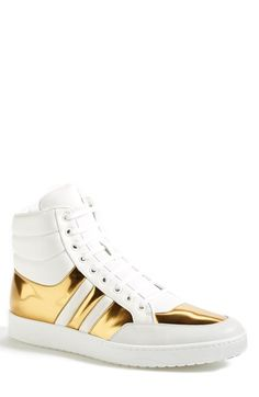 Gold Ronnie from @gucci