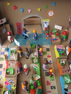 homemade little people/playmobil people market Lego Kits, Diy For Kids, Crafts For Kids, Fun Crafts, Arts And Crafts, Small World Play, Kids Corner, Imaginative Play, Diy Toys