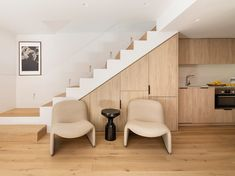 Cocina abierta al salón Agi Architects, Stairs In Kitchen, Interior Minimalista, Barcelona, Interiores Design, Showroom, Studio, Compact, Home Decor