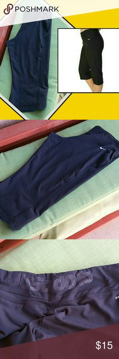 Nike Just do it black capri pants. Nike black capri pants, one pocket, Just do it ...print back on waist ,rally comfy, super versatile. ..ideal for any workout, yoga,walk,shopping days!. Size XXL...but can wear XL,OX,1X, XXL. Great quality 90%nylon, 10% spandex. Very good conditions! Nike Pants Capris