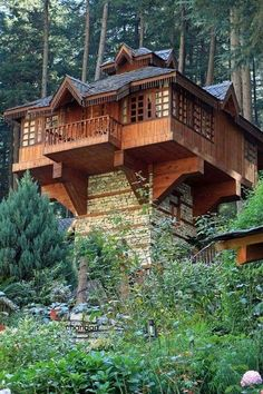 be an interesting shipping container buildWould be an interesting shipping container build Best Tree House Designs 91 White Pine Canyon Rd, Park City, UT 84060 Haus Am See, Tree House Designs, Tower House, Custom Window Treatments, Cabins And Cottages, Log Cabins, House In The Woods, Log Homes, Architecture Design