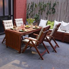Whether you like relaxed outdoor dining or soaking up a little sunshine, IKEA ÄPPLARÖ outdoor furniture, made from durable solid wood, has all the tables, chairs, benches and bar stools you need to create the perfect outdoor living area.