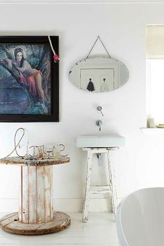 Home Decoration Ideas and Design Architecture. DIY and Crafts for your home renovation projects. Wooden Cable Spools, Wood Spool, Spool Tables, Idee Diy, Entryway Decor, Decoration, Repurposed, Console, Sweet Home