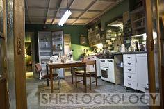 221 B Baker St set, Sherlock