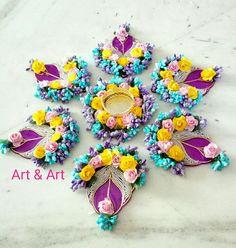 Arti Thali Decoration, Diya Decoration Ideas, Diwali Decoration Items, Candle Decorations, Diwali Diya, Diwali Craft, Yarn Crafts, Paper Crafts, Diwali Candles