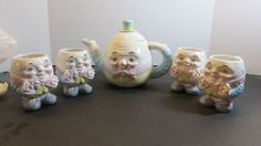 Vintage Taiwan 5 piece Teapot Cups Humpty Dumpty Egg with Face