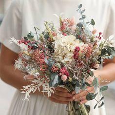 Pin on decoration mariage Perfect Wedding, Fall Wedding, Our Wedding, Dream Wedding, Dried Flower Bouquet, Dried Flowers, Wedding Bouquets, Wedding Flowers, Corona Floral