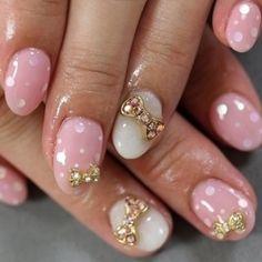 nail art con fiocchetti