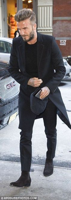 There's one person who always looks good in a suit and that's David Beckham, major style points to him!