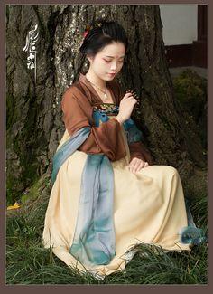 fouryearsofshades:  小雅 http://shop104757598.taobao.com/