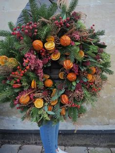 Wreaths – Pamplemousse Christmas Inspiration, Picture Show, Christmas Wreaths, Traditional, Holiday Decor