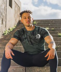 """Wild Purpose™ Fitness Apparel on Instagram: """"When do you like to workout? Morning, lunch, evening?🌕🌗🌑 . Having a good routine when you like to workout is so important if you'd like to…"""" Fitness Apparel, Routine, Lunch, Workout, Mens Tops, T Shirt, Instagram, Fashion, Moda"""