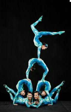 Cirque du Soleil, I wanna see this show so bad ! My Dreams In Life, Ste Croix, Circus Acts, Divas, Circus Performers, Contortionist, Dance Movement, Medusa, Stunts