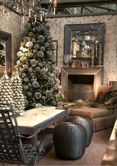 Becara Madrid Christmas shop in Grey