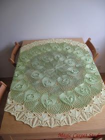 I made this tablecloth from a pattern designed by Herbert Niebling. It's a birthday present for my mother-in-law. The piece measures 150x115 cm and used up more than 500 grams of thread. I used knitting needles 3 mm thick.