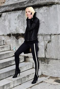 Street style for winter and fall..sexy winter street style - black on black with tuxedo stripe leggings