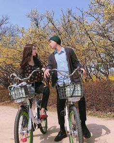 ulzzang couple ©ig Boys Girl Friend, Boy Or Girl, Ulzzang Couple, Ulzzang Girl, Tumblr Couples, Become A Fashion Designer, New Arrival Dress, Time Photo, Adult Games