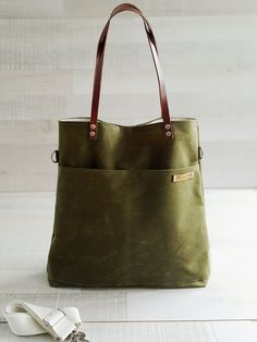 Waxed Canvas Simply Tote Bag in Army Green unisex by bayanhippo Waxed Canvas 0988163724d0c