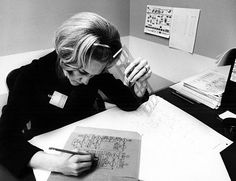 Early IBM programmer drawing a flowchart of a new computer program . note the plastic flowchart template in her hand Nurse Practitioner Education, Computer History Museum, Computer Companies, Flow Chart Template, Old Computers, Digital Scale, Computer Science, Computer Programming, Home Technology