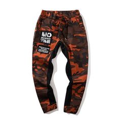 Standard US/EU Sizing Slim fit Joggers Straight leg Mid Waist Skinny Fit Microfiber/Polyester blend for ultimate comfort Measurements (CM) Size Waist Width Hip Width Length S 68 104 95 M 72 108 97 L 76 112 99 XL 80 116 101 Camouflage Pants, Camo Pants, Fresh Outfits, Cool Outfits, 17 Kpop, Cute Sweatpants, Trendy Hoodies, Slim Fit Joggers, Type Of Pants
