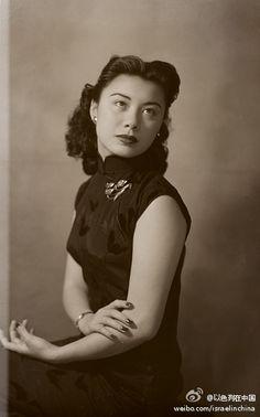 上个世纪的旗袍老照片(来源:以色列驻上海领事馆)