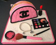 For Chanel lovers what could be better than an entire Chanel-inspired cake!  http://community.sephora.com/t5/Off-Topic/Cheering-up-thread/m-p/836553