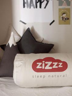 Funda Edredon Zizzz, Foto de Maria Canal de EByM blog. www.zizzz.ch Natural Sleep, Bed Pillows, Pillow Cases, Friends, Blog, Pillows, Amigos, Boyfriends, True Friends