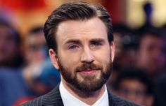 Chris Evans Biography and film career, actor known primarily for two superheroes interpreted: Man Torch (Fantastic and Captain America. Chris Evans Tumblr, Chris Evans Funny, Capitan America Chris Evans, Chris Evans Captain America, Xavier Rudd, Captain America Funny, Capt America, Robert Evans, Mtv Movie Awards