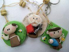 chaveiros santinhos   Biscuit da Fê   Elo7