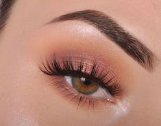 Shimmery and Natural Summer Makeup Schimmerndes und natürliches Sommer-Make-up Makeup Eye Looks, Cute Makeup, Skin Makeup, Eyeshadow Makeup, Rose Gold Eyeshadow, Rose Gold Makeup, Eyeshadow Palette, Easy Eyeshadow, Soft Eye Makeup