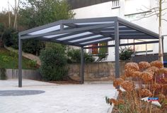 Alu-Carport der Marke REXOport 5,12m x 5m in Anthrazit. Bei diesem freistehenden Aluminium-Doppelcarport mit Satteldach-Form kommen transparente 16mm Stegplatten zum Einsatz. Ort: Püttlingen #Carport #Alucarport #REXOport #Rexin