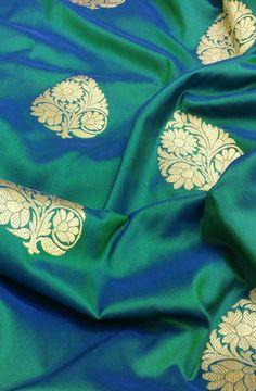 Discover thousands of images about Green Handloom Banarasi Pure Katan Silk kadwa Saree Kanjivaram Sarees Silk, Kanchipuram Saree, Pure Silk Sarees, Saree Blouse Patterns, Saree Blouse Designs, Katan Saree, Trendy Sarees, Saree Shopping, Elegant Saree