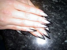 French Claws Nail Art – 2 models with black and white colors