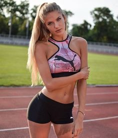 Meet Alicia Schmidt The Woman Dubbed The Hottest Athlete In The World! Fit Women, Sexy Women, Looks Pinterest, Hot Cheerleaders, Sporty Girls, Girl Running, Athletic Women, Female Athletes, Schmidt