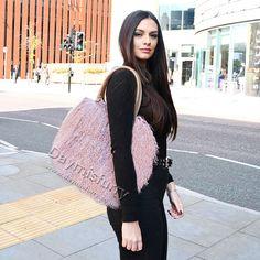 £85.00 #ootd #fur #bag #furbag #womenswear #womenfashion #womenstyle #womenoutfit #ladyfashion #ladystyle #ladyoutfit #furry #lambfurbag #lambfur #shoulderbag #accessory #gift #giftforher Fur Bag, Lamb, Curly, Ootd, Shoulder Bag, Leather, Gifts, Beautiful, Presents